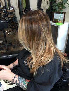 17 New Hair-Color Trends for Spring 2019 — Hair-Dye Inspiration Brown Hair With Highlights, Brown Hair Colors, Blonde Highlights, Cabelo Ombre Hair, New Hair Color Trends, Hair Color Balayage, Bronde Haircolor, Bronde Balayage, Hair Color For Women