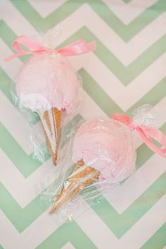 Love these cotton candy party favors for an ice cream themed birthday party or an ice cream social.Love these cotton candy party favors for an ice cream themed birthday party or an ice cream social. Unicorn Birthday, Unicorn Party, First Birthday Parties, First Birthdays, 1st Birthday Party Ideas For Girls, Party Favors For Kids Birthday, Birthday Party Giveaways, Baby Girl First Birthday, Birthday Month