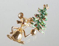Vintage Christmas Mouse Figural Brooch Green Enamel Rhinestones Pin Cute