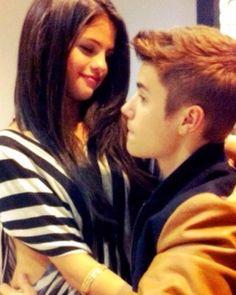 New old rare photo of Selena Gomez and Justin Bieber  Nueva antigua rara foto de @selenagomez y @justinbieber  #SelenaGomez #JustinBieber #Selena #Selenator #Selenators #Fans