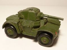 DINKY TOYS NO.670 ARMOURED CAR