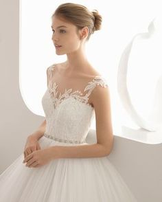 A(z) 15 legjobb kép a(z) BelezzaLusso wedding dress rendelhető a ... 49e6180874