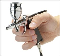 Pistol-grip single-action airbrush gun has the professional feel and features that model builders, hobbyists and artists need for projects of all types and sizes. Air Brush Painting, Car Painting, Painting Tips, Model Airbrush, Airbrush Art, Airbrush Spray Booth, Revell Model Kits, Braided Hose, Auto Body Repair