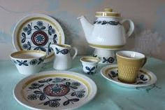 Norwegian artist who painted on porcelain at a factory called Stavangerflint in Stavanger, Norway for more than 30 years - true the 70 ties. Norway Food, Modern Dinnerware, Kitchenware, Tableware, Stavanger, Tea Cup Set, Vintage Ceramic, Earthenware, Scandinavian Design