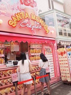crepes at takeshita street in harajuku! 竹下通りでクレープ食べた ♡