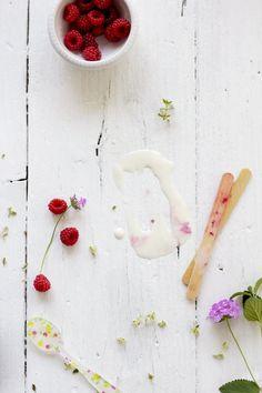Ice pops with raspberries  foodandcook.net