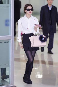裴秀智在北京参加完第29届韩国金唱片大赏后,于1月16日返程飞抵仁川机场。
