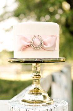 beautiful equestrian wedding cake