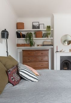 A cosy bedroom update with Eve Mattress — Hannah Bullivant Comfy Bedroom, Bedroom Inspo, Bedroom Ideas, Wall Mounted Bookshelves, Messy Bed, Interiors Magazine, Modern Vintage Homes, Interior Decorating, Interior Design