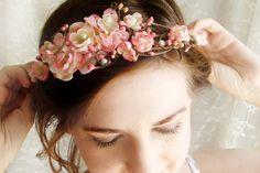 Bajkowe chwile blog ślubny poradnik: We włosach kwietny ma wianek....