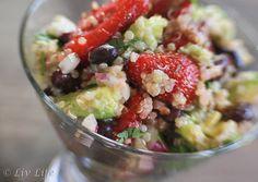 California Quinoa Strawberry Salad - The Salad Bar Club Debut #salad #strawberry @livlifetoo