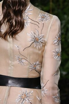 Valentino Haute Couture Fall 2014 - daisies detail