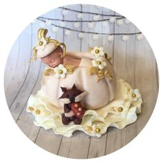 My favorite fall baby shower topper of all time! I LOVE white and gold pumpkins! Baby Shower Fall, Fall Baby, Baby Boy Shower, Fondant Cake Toppers, Fondant Baby, Thanksgiving Baby, Baby Shower Cakes For Boys, Baby In Pumpkin, Baby Halloween