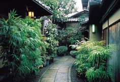 Google Image Result for http://www.japanican.com/kyoto/ryokan/images/hiiragiya/pic0L.jpg