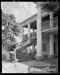 Explore the genealogy of the  family and gather photos of Evergreen, Wallace vic., St. John the Baptist Parish,... at AncientFaces. See Evergreen, Wallace vic., St. John the Baptist Parish,... photos and more  history photos and ancestry at AncientFaces. Old Mansions, Abandoned Mansions, Abandoned Houses, Abandoned Places, Old Houses, Haunted Places, Old Southern Homes, Southern Plantation Homes, Southern Mansions