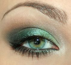 Snobka - Makijaż 151 - w stylu Jessiki Alby (Jessica Alba Green Eye Tutorial)