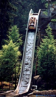 Knoebels in Pa.- Flume ride, the best! Camping In Pa, Camping Life, Best Amusement Parks, Amusement Park Rides, Vacation Places, Vacation Spots, Vacations, Knoebels Amusement Park, Luxury Camping