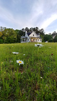 My Country Living Fresh Farmhouse, Farmhouse Homes, Farmhouse Design, Country Farmhouse, Country Living, Big Country, Country Home Exteriors, Big Houses, Farm Houses