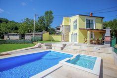 Villa Ana Spinovci  Vakantiehuis met privé zwembad en kinderbad prachtig uitzicht en nabij Motovun  EUR 848.48  Meer informatie  #vakantie http://vakantienaar.eu - http://facebook.com/vakantienaar.eu - https://start.me/p/VRobeo/vakantie-pagina