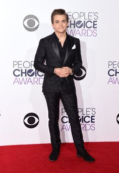 Pin for Later: Seht alle Stars aus Film und Fernsehen bei den People's Choice Awards Hunter Hayes