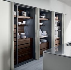 Linear kitchen with island without handles: Tk38 by Rossana Rb