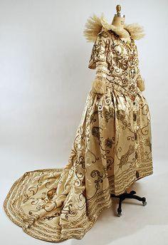 Paul Poiret (French, 1879–1944). Fancy dress costume, 20th century. The Metropolitan Museum of Art, New York. Gift of Mrs. Robert L. Dodge, 1951 (C.I.51.48.1a, b)  #halloween #costume
