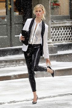 Black + White Will Never Fade In Fashion! Stay Cool and Stylish!  MODE MALAYSIA | YOUR FASHION LIFESTYLE ♥ http://www.modemalaysia.blogspot.com/