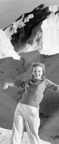 1946: Marilyn Monroe – Norma Jeane – outdoor photo shoot …. #marilynmonroe #pinup #monroe #marilyn #normajeane #iconic #sexsymbol #hollywoodlegend #hollywoodactress #1940s