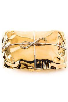 Golden present. #gold #geschenk #verpackung #glänzend