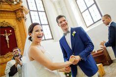 Bride and groom in the church in #Vilnius #bernardinubaznycia in #goodmood beeing #wife #husband #bride #groom with @laimafoto #laimadrukneryte