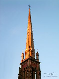 Cae el sol – Campanario de la Iglesia de los Capuchinos, Córdoba, Argentina
