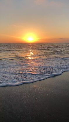Sunset Iphone Wallpaper, Beach Sunset Wallpaper, Summer Wallpaper, Cute Wallpaper Backgrounds, Beautiful Beach Pictures, Sunset Pictures, Beautiful Nature Scenes, Beautiful Nature Wallpaper, Amazing Nature