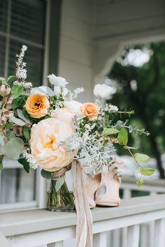 Soft and elegant wedding bouquet