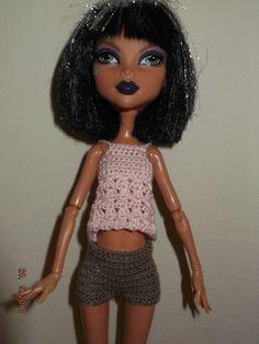 conjunto 2 piezas de crochet top, shorts. Hecho a mano.  El color puede variar un poco en la foto.