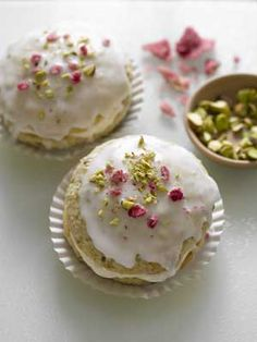 Rose-Pistachio Whoopie Pies, from Violet Cakes, East London, UK. These look almost too pretty to eat! I think this bakery has a cookbook. Just Desserts, Delicious Desserts, Dessert Recipes, Yummy Food, Mini Cakes, Cupcake Cakes, Yummy Treats, Sweet Treats, Butterscotch Blondies
