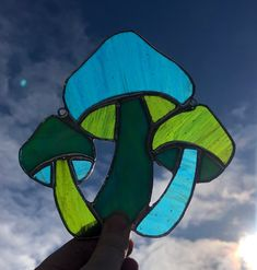 Stained Glass Projects, Stained Glass Patterns, Stained Glass Art, Art Of Glass, Glass Artwork, Mosaic Art, Mosaic Glass, Relish Recipes, Glass Mushrooms