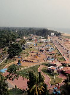 Kerala is Known as the God's own country because the natural beauty and other natural things seems to gift my God. There are many things to visit in Kerala like beaches, backwaters, houseboats, hill station, resorts and spa and much more.