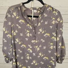 I just discovered this while shopping on Poshmark: . Check it out! Price: $5 Size: XS, listed by jilltrevino
