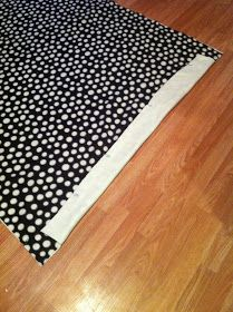 Nest and Nibble: Easy No-Sew Fleece Tie Blanket Tutorial Diy Throw Blankets, Fleece Tie Blankets, Fleece Blanket Edging, Home Projects, Sewing Projects, Doll Quilt, Sewing Pillows, Sewing Hacks, Sewing Tips