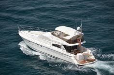 M/Y LIBERTY OF LYMINGTON 18,21 mt BUILDER: FAIRLINE SQUADRON 59' YEAR: 1999 – REFIT: 2012 CREW: Captain + 1 GUESTS: 6 in 3 cabins (1 double, 2 twin) PORT: Sorrento / Naples