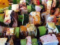 Patrícia is cooking.: Espetadas de tofu com legumes e molho de rosmaninho com arroz integral aromatizado {Vegan, integral}