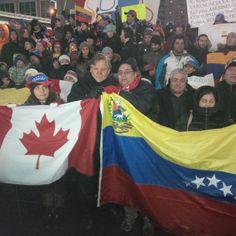 Aunque menos (-) 15 grados centígrados, esta noche yo estaba muy honrado de unirse a los cientos de manifestantes que salieron a las calles de Toronto denunciando la represión de las protestas que están ocurriendo en Venezuela.