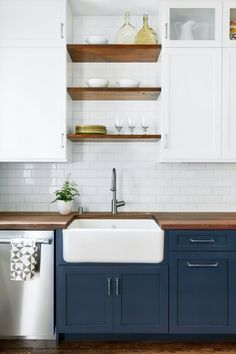 123 cozy and chic farmhouse kitchen cabinets ideas (23)