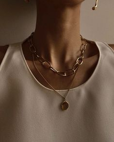 Diamond Necklace in Solid Gold / Diamond Bar Necklace / Curved Bar Necklace / Birthday Gift for Her / Bridal Jewelry / Brilliant Cut Item Details Colar Fashion, Fashion Beads, Fashion Necklace, Fashion Rings, Fashion Jewelry, Lanyard Necklace, Bar Necklace, Beaded Necklace, Pearl Necklaces