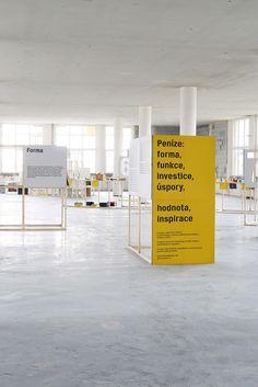sizing for readability Museum Exhibition Design, Exhibition Display, Exhibition Space, Design Museum, Cafe Interior, Interior Design, Interactive Walls, Environmental Design, Display Design