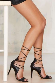 Schutz Annabelle Leather Heel | Shop Shoes at Nasty Gal!