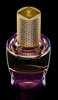 miss dior perfume Perfume And Cologne, Best Perfume, Parfum Yves Saint Laurent, Beautiful Perfume, Antique Perfume Bottles, Fragrance Parfum, Perfume Scents, Perfume Collection, Parfum Spray