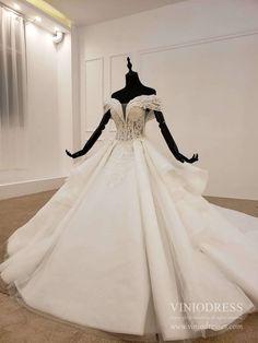 Vintage Off Shoulder Champagne Lace Wedding Dresses Arabic Bridal Gown – Viniodress Ivory Lace Wedding Dress, V Neck Wedding Dress, Modest Wedding Dresses, Lace Dress, Lace Ball Gowns, Ball Dresses, Beaded Lace, Bridal Gowns, Vintage Dresses