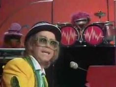 """Elton John guest stars on The Muppet Show and sings """"Goodbye Yellow Brick Road"""". Season 2 (1977-1978)"""