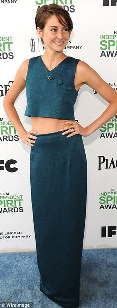Shailene Woodley arrived at the 2014 Independent Spirit Awards in this fabulous green crop top and skirt